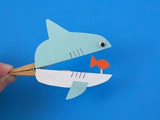 آموزش کاردستی با مزه کوسه و ماهی با گیره لباس