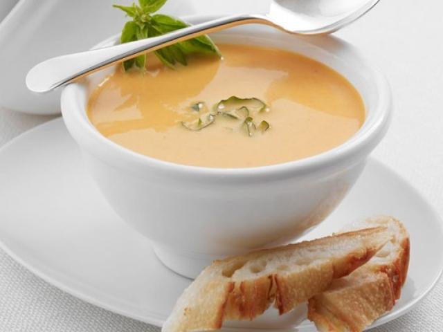 طرز تهیه سوپ خوشمزه پنیر و سبزیجات