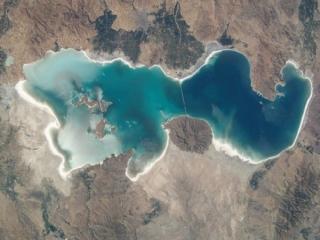 آیا دریاچه ارومیه مرگ زا شده !؟