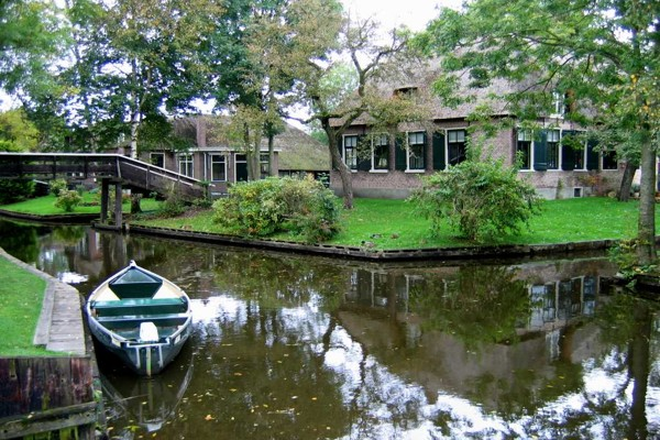 village-without-the-street-in-netherlands(1)