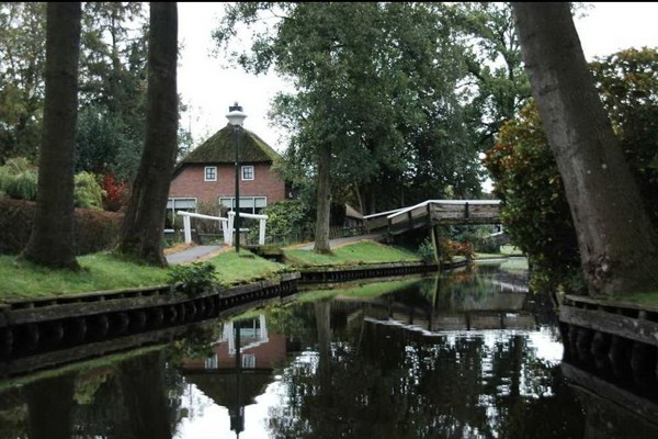 village-without-the-street-in-netherlands(2)