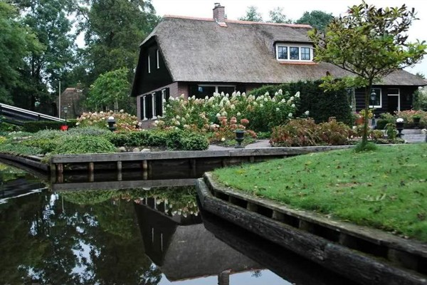 village-without-the-street-in-netherlands(5)