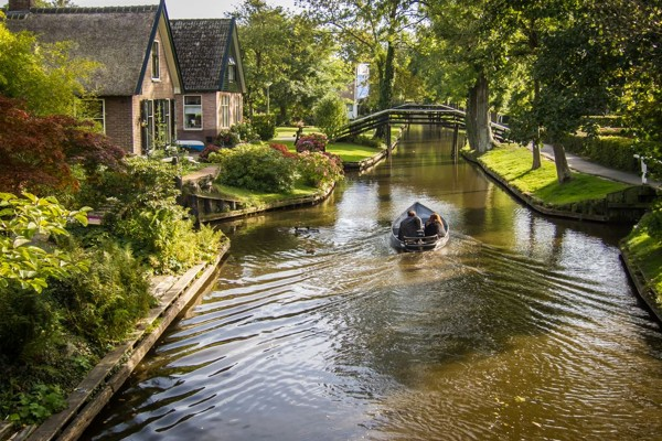 village-without-the-street-in-netherlands(7)