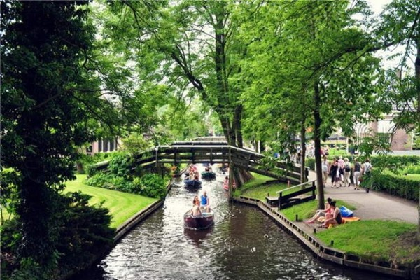 village-without-the-street-in-netherlands(8)