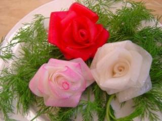 تزئین زیبای ترب و هویج به شکل گل رز