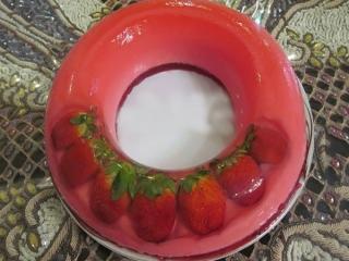 طرز تهیه دسر خوشمزه ژله شیشه ای