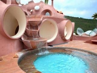 عجیب ترین هتل ساخته شده در فرانسه