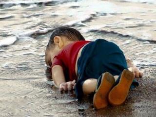جسد کودک 3 ساله در سواحل ترکیه، تصویری که جهان را تکان داد