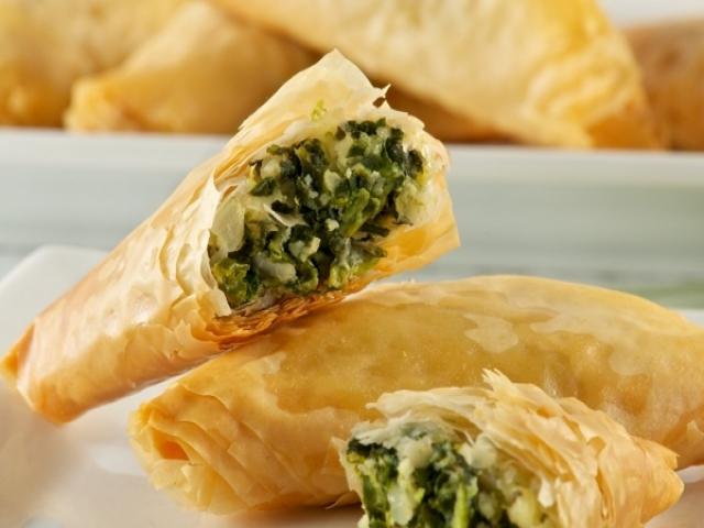 طرز تهیه اسپاناکوپیتا غذای لذیذ یونانی