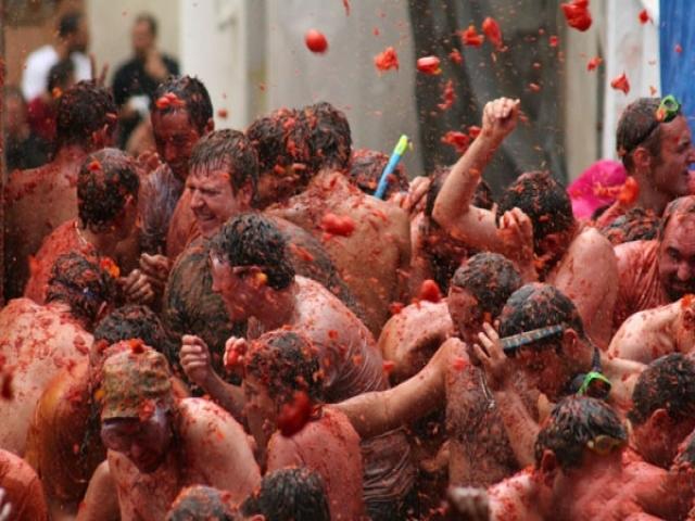 عجیب ترین آداب و رسوم مردم جهان!