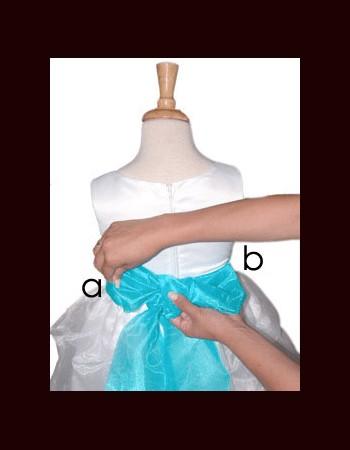 close-bow-tie-shirt-girl(2)