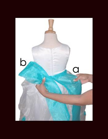 close-bow-tie-shirt-girl(4)