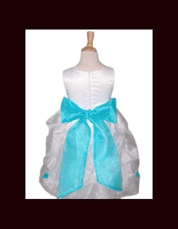 close-bow-tie-shirt-girl(8)