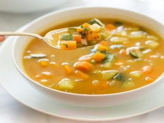 یک شام پاییزی کم کالری : سوپ کرفس و هویج