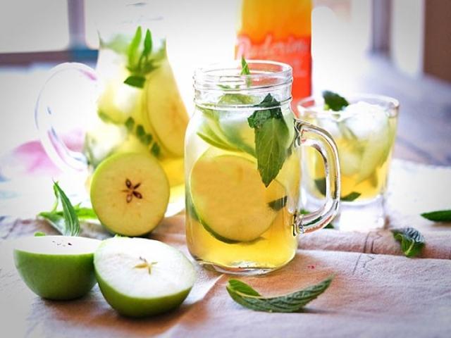 طرز تهیه نوشیدنی خوشمزه سیب و نعناع مناسب فصل پاییز
