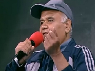 خاطره متفاوت اکبر عبدی از حج/ فکر کنم شبکه سه به جای قسمت آخر خاطره ام سوت پخش کند