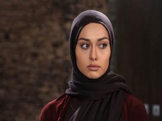 بازیگر ایرانی در اینستاگرام کشف حجاب کرد!