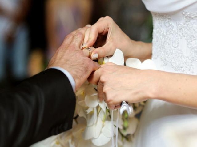 در ازدواج دخترانی که از نظر سنی بزرگتر می باشند تفاهم کافیست؟