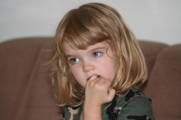 nail-biting-child