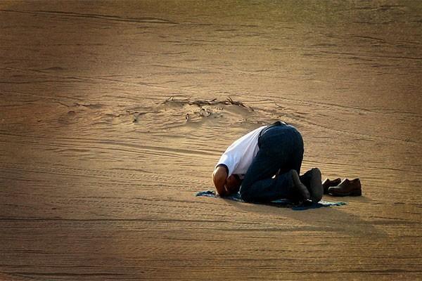 turbah-in-prayer(3)