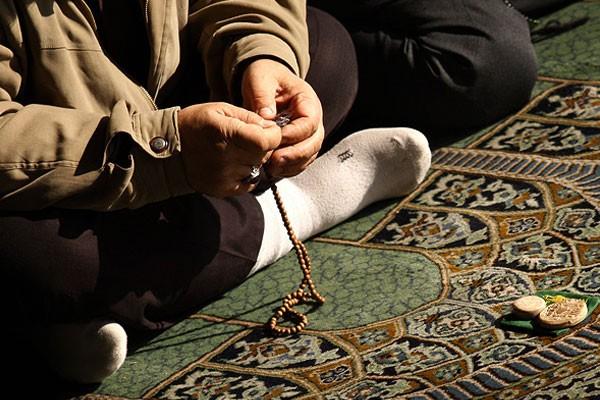 turbah-in-prayer(4)