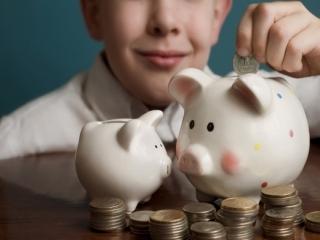 ازچه سنی می توانیم به فرزندمان پول تو جیبی بدهیم؟