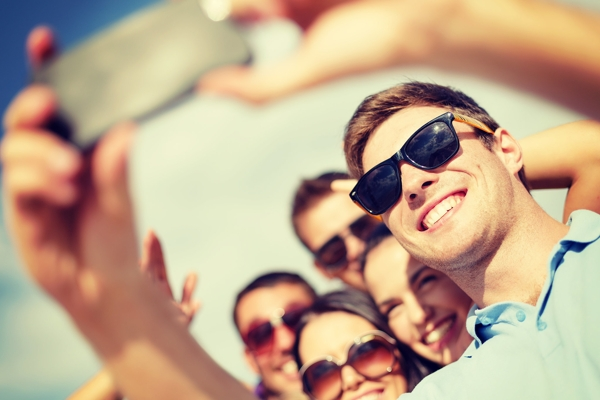 Tips and tricks to get a perfect selfie