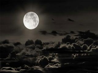 کره ماه و زندگی در آن