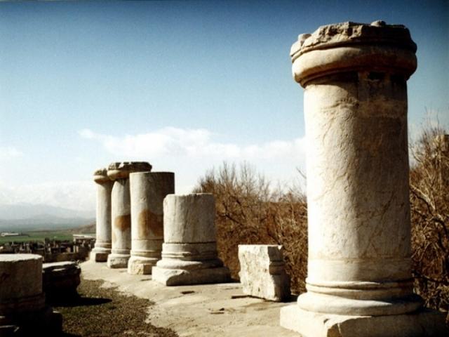 معبد آناهیتا - بزرگترین بنای سنگی ایران
