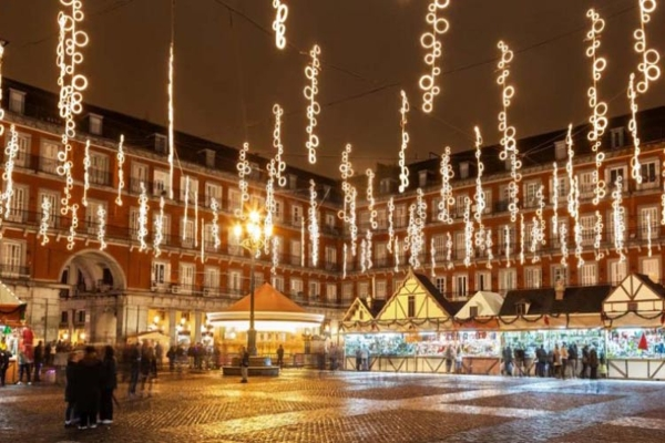 10 beautiful capital of the world for Christmas holidays 2016(5)