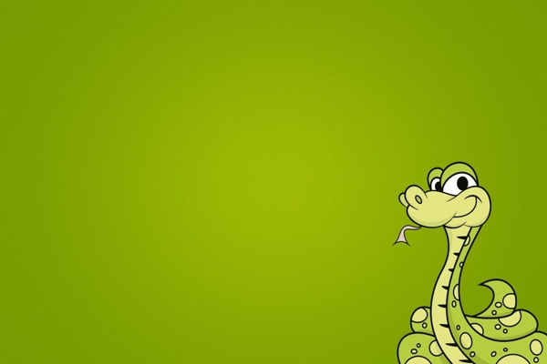 Saying-snake-from-its-nest-of-green-grass-in-front-was-bad-would-be