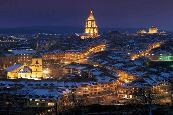 Spectacular images of towns and villages in the Christmas mood(1)