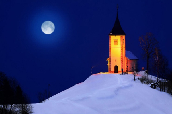 Spectacular images of towns and villages in the Christmas mood(12)