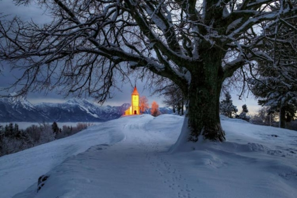 Spectacular images of towns and villages in the Christmas mood(13)