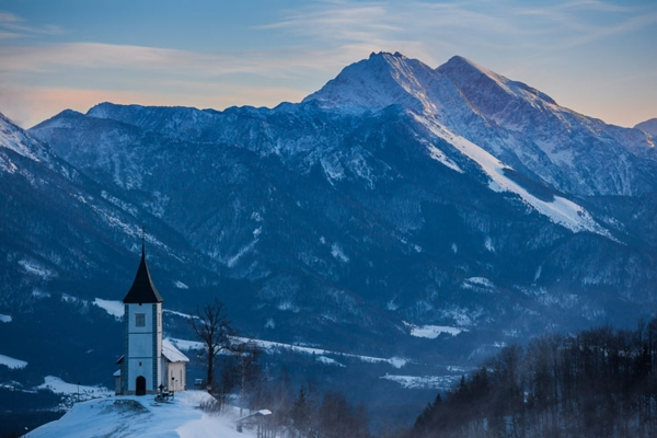Spectacular images of towns and villages in the Christmas mood(15)