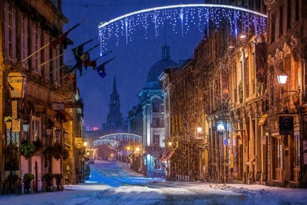 Spectacular images of towns and villages in the Christmas mood(23)