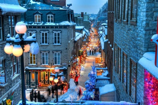 Spectacular images of towns and villages in the Christmas mood(29)