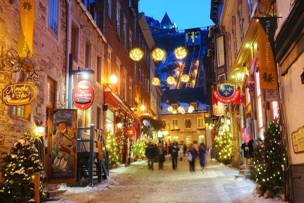 Spectacular images of towns and villages in the Christmas mood(31)