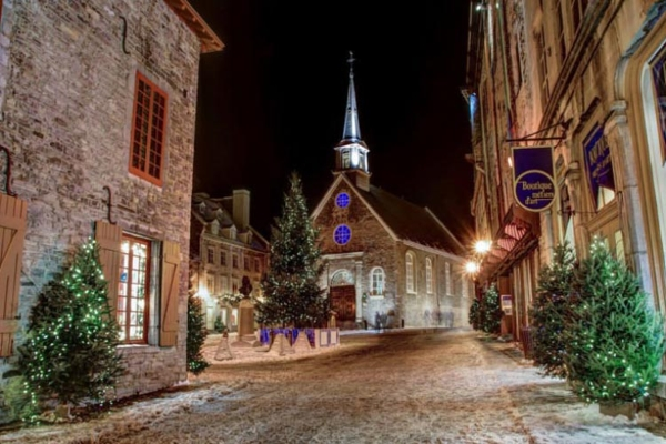 Spectacular images of towns and villages in the Christmas mood(32)