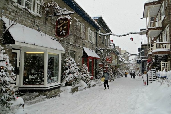Spectacular images of towns and villages in the Christmas mood(34)
