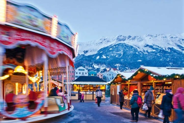 Spectacular images of towns and villages in the Christmas mood(5)