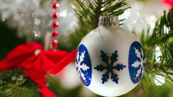 zoomit.ir hospital-christmas-decorations-11_b414e