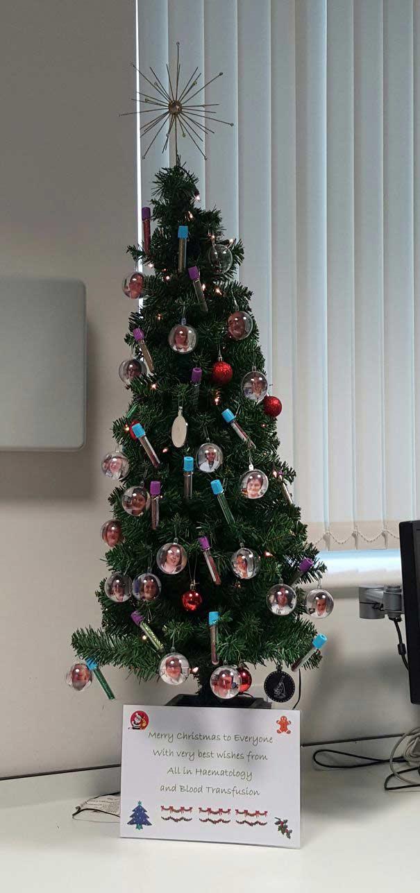 zoomit.ir hospital-christmas-decorations-12_5f7c2