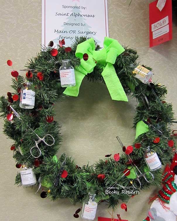 zoomit.ir hospital-christmas-decorations-6_c25d6