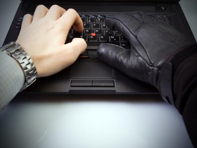 هشدار !!! مراقب فروش لوازم خود در سایت های اینترنتی باشید