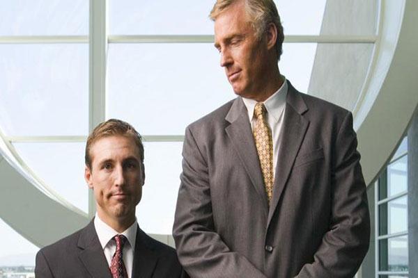 tall-people-make-money_6cc3fb896e76ecff