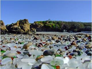سواحل عجیب و دیدنی  شیشه  در کالیفرنیا