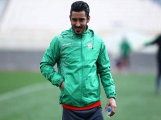 عکس/ تیپ دامادی مهاجم تیم ملی فوتبال کنار همسرش