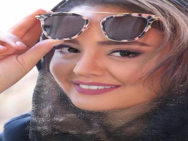 پست جدید نرگس محمدی و شباهت او به ابرو گوندش