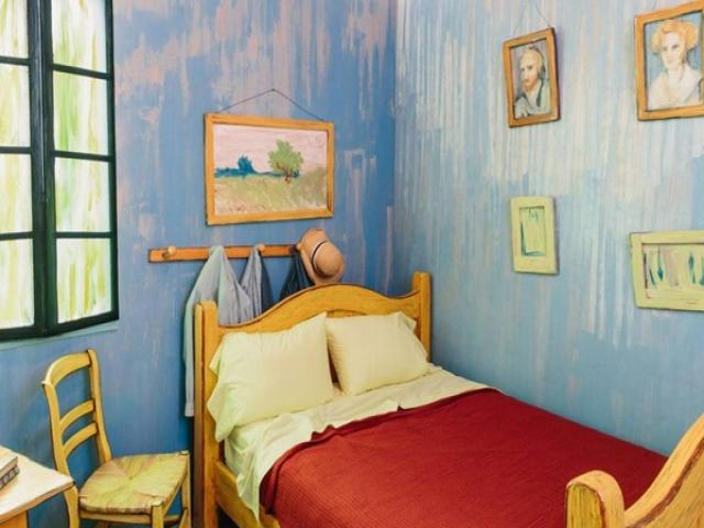 اتاق خواب الهام گرفته از اثر ون گوگ برای اجاره